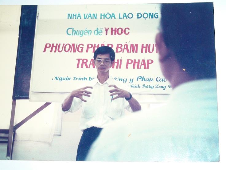 Lương Y Phan Cao Bình đào tạo lớp Trường sinh đạo đầu tiên