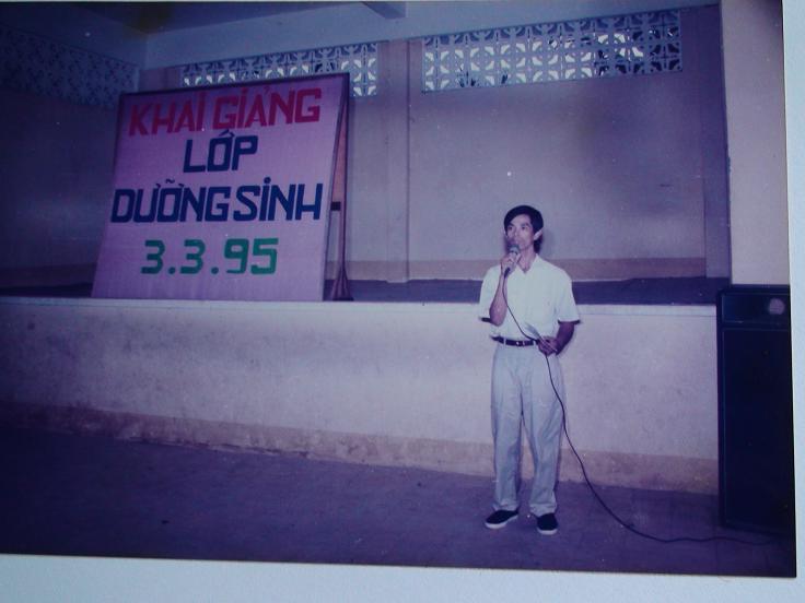 Lương Y Phan Cao Bình khai giảng lớp dưỡng sinh tại TPHCM năm 1995