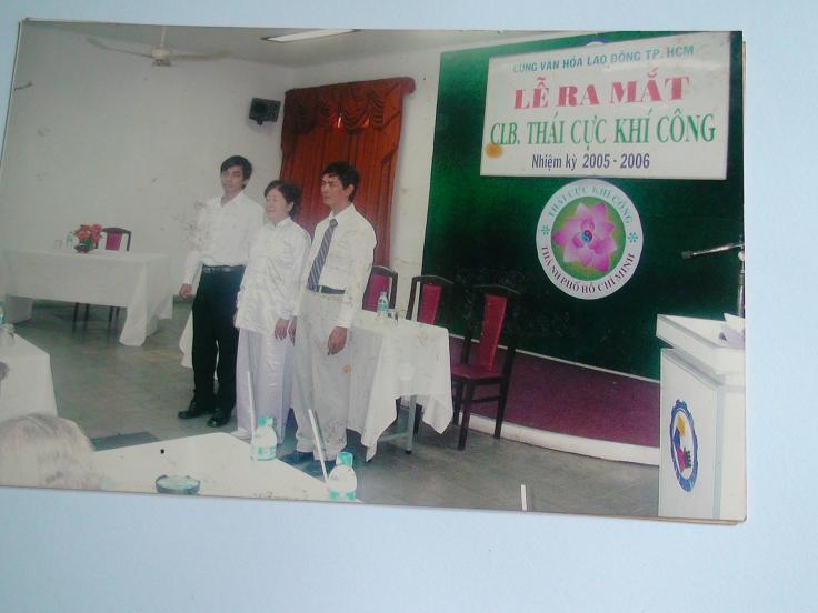 LY Phan Cao Bình tổ chức lễ ra mắt câu lạc bộ Thái Cực Khí Công năm 2005