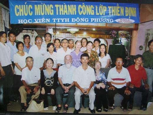 Học viên Trung Tâm Y Học Đông Phương tổng kết lớp thiền định