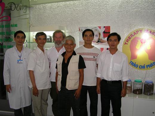 Lương Y Phan Cao Bình và Võ Sư Nghiêm An Thạch (sáng lập bộ môn Nam Hải Võ Đạo tại Pháp)